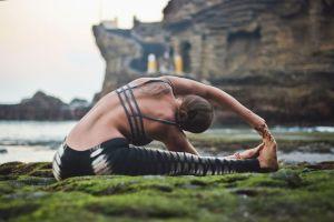 adele_yoga_stretch